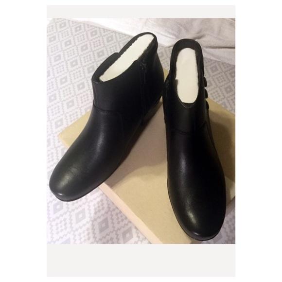 Clarks Shoes - Clark's Emslie Monet Black Leather Demi Bootie
